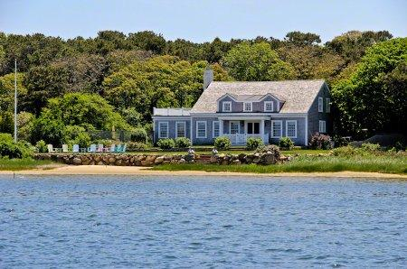 CLASSIC WATERFRONT CAPE ON SENGEKONTACKET POND WITH PRIVATE BEACH - EDG BPUR-09 - Image 1 - Edgartown - rentals