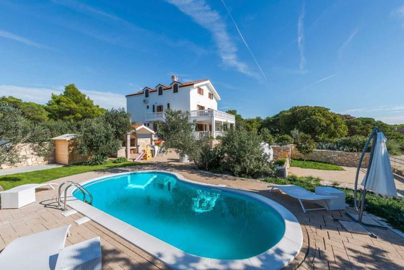 Luxury villa with pool in Pirovac - central Dalmatia - Luxurious seafront villa in Pirovac, Sibenik area - Sibenik - rentals