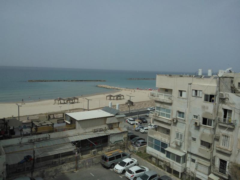 Studio Apt facing Bugrasov Beach - Image 1 - Tel Aviv - rentals