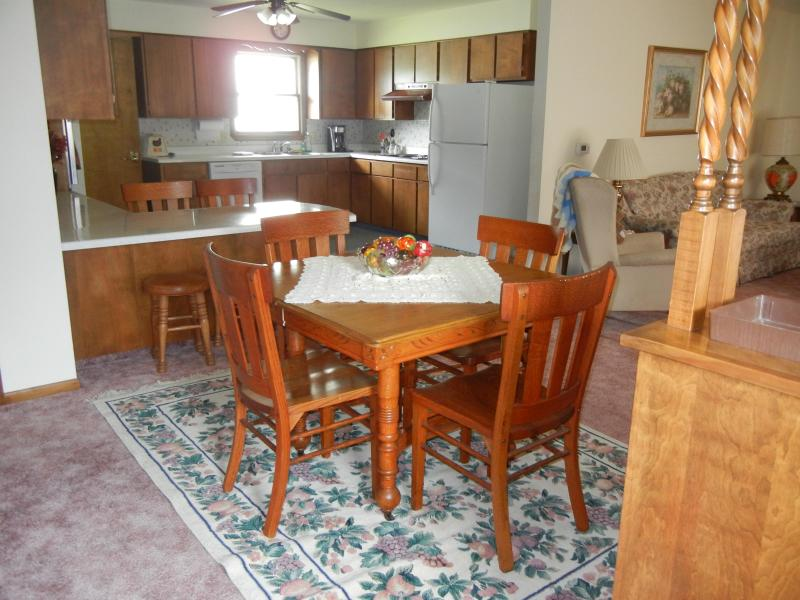 Dining and kitchen areas - The Recker House - Alta Vista - rentals