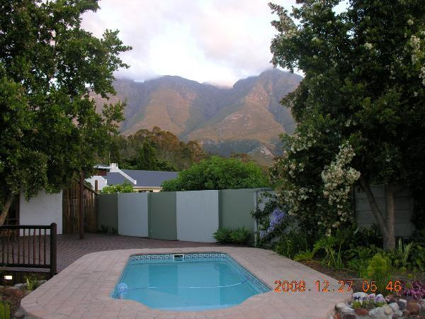 Deck area with mountain view - A Grace Walk B & B - Swellendam - rentals