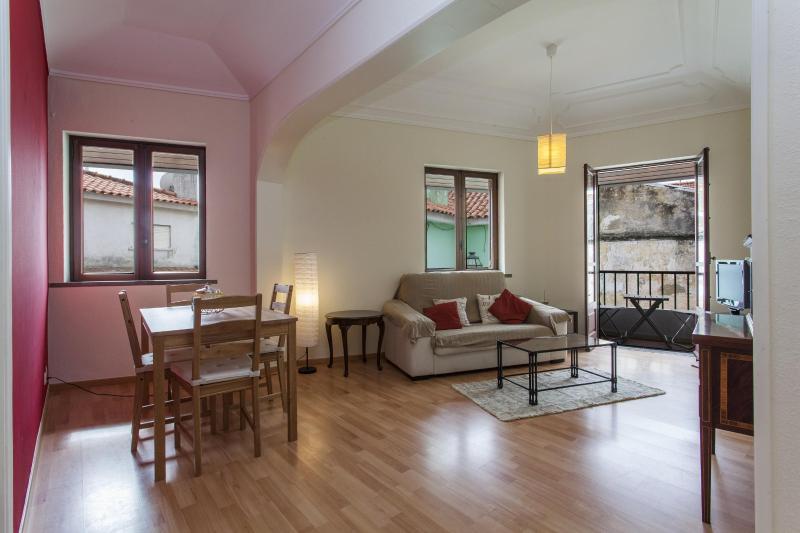 Premium Location Apartment Beco Torto 2 - Image 1 - Cascais - rentals
