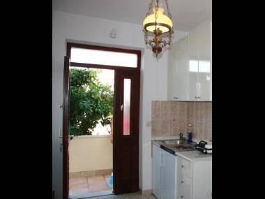 A1(3): kitchen - 6137 A1(3) - Supetar - Supetar - rentals