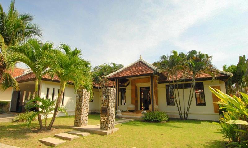 Cosy Gardens Pool Villa - Image 1 - Thalang - rentals