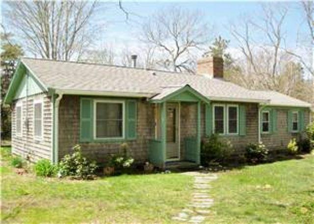 320 WEIR RD., EASTHAM - THIS SWEET COTTAGE SLEEPS 4 GUESTS IN A PEACEFUL SETTING NEAR CAPE COD BAY! - Eastham - rentals