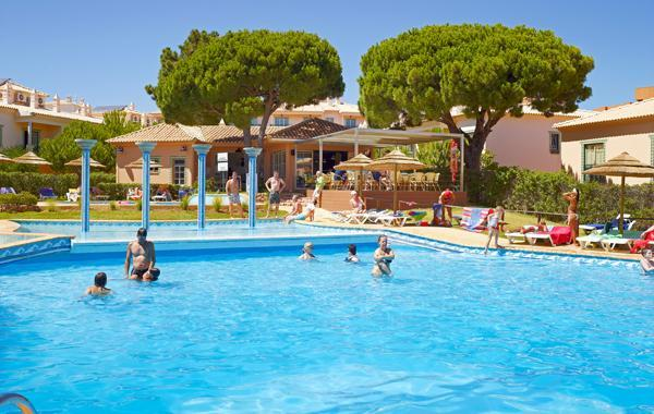 Modern T1 Albufeira 4*  Oura  Strip swimming pool - Image 1 - Albufeira - rentals