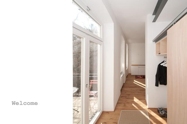 entry w/bacony - A bright + decent architect's place near AKH - Vienna - rentals