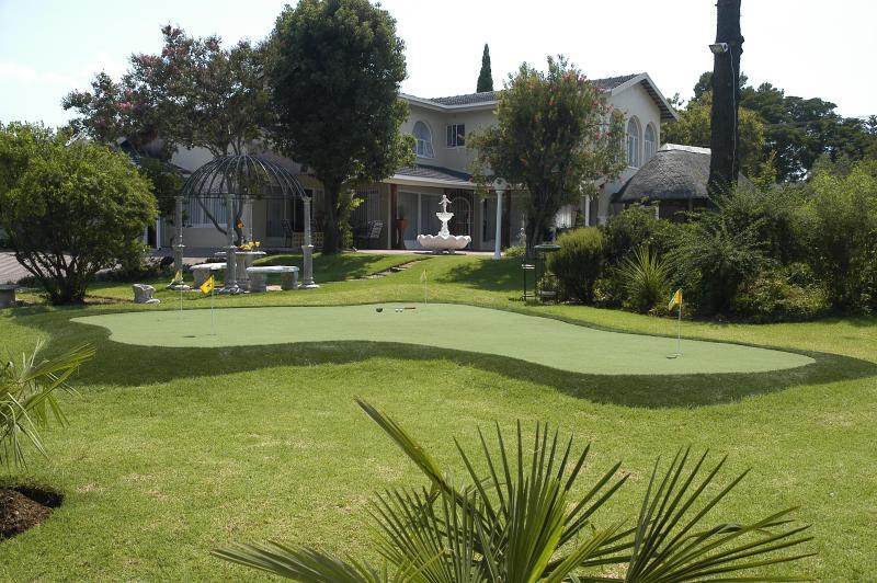 Golfer's Lodge - Image 1 - Gauteng - rentals