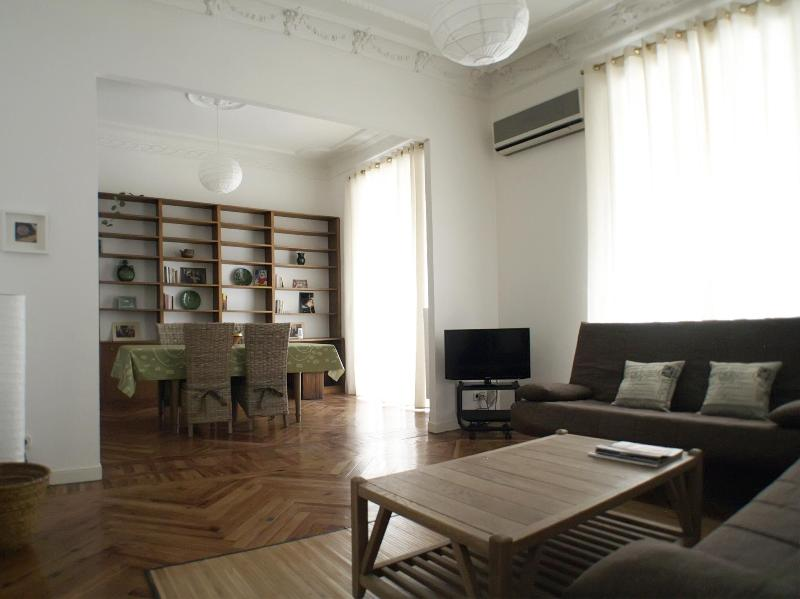 SOL OPERA 2bedrooms, 2bathroms in tourist center - Image 1 - Madrid - rentals