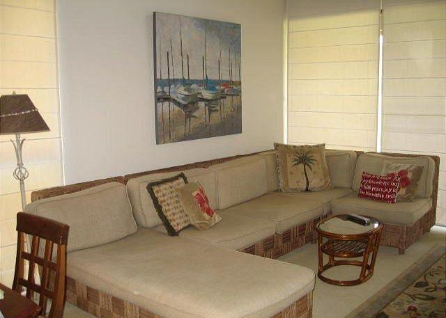 Living Room - Comfortable 2 bedroom with loft condo. Accommodates 5. Has wireless access - Kahuku - rentals