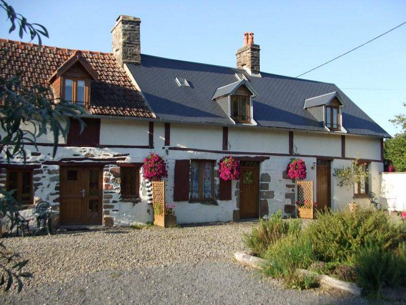 The three Gites - Gite 1 'Les Hirondelles'  in Normandy countryside - Les Cresnays - rentals