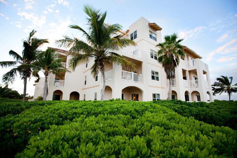 2 Bedroom Ocean Front Northwest Point Resort - Image 1 - Providenciales - rentals