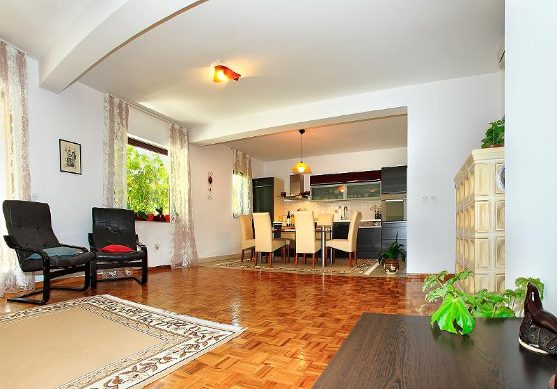 Apartment EMMA  A 1 ( 4 + 2 ) - Image 1 - Orebic - rentals