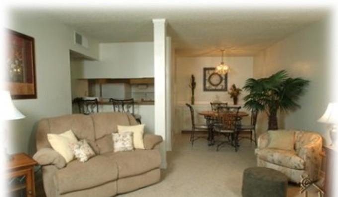 Living Room with Dinning Area - Beautiful Condo by the Peppermill Casino - Reno - rentals
