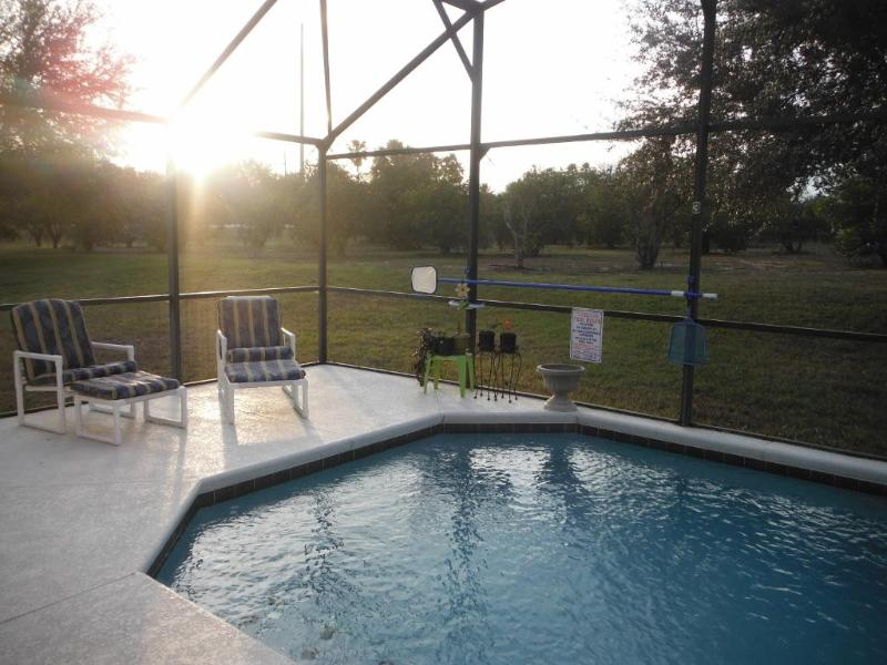 Beautiful sunset view from the lanai - Disney Villa - Clermont - rentals