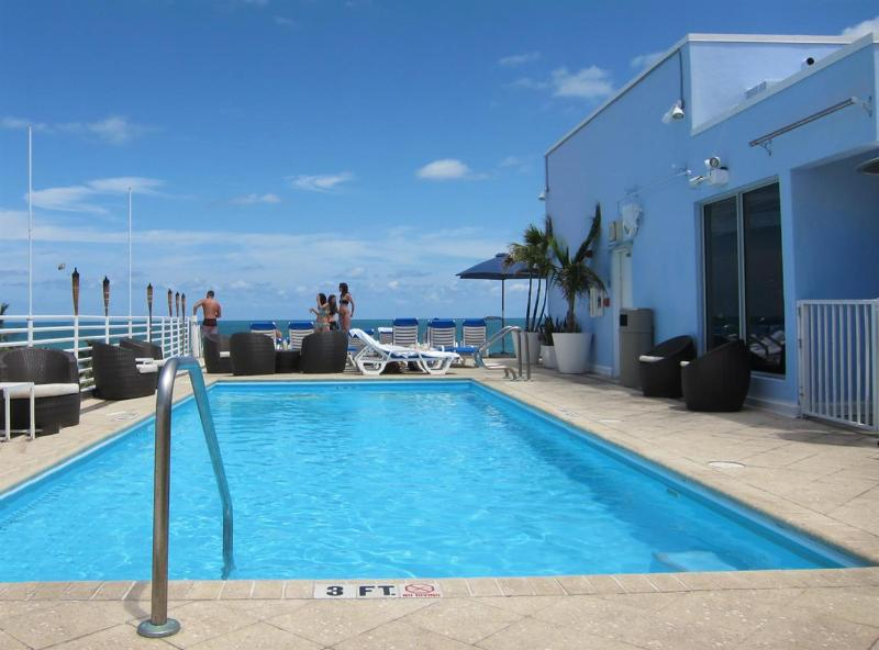 Rooftop Ocean View Pool - South Beach Ocean Dr. Luxury Condo Suite on Beach - Miami Beach - rentals