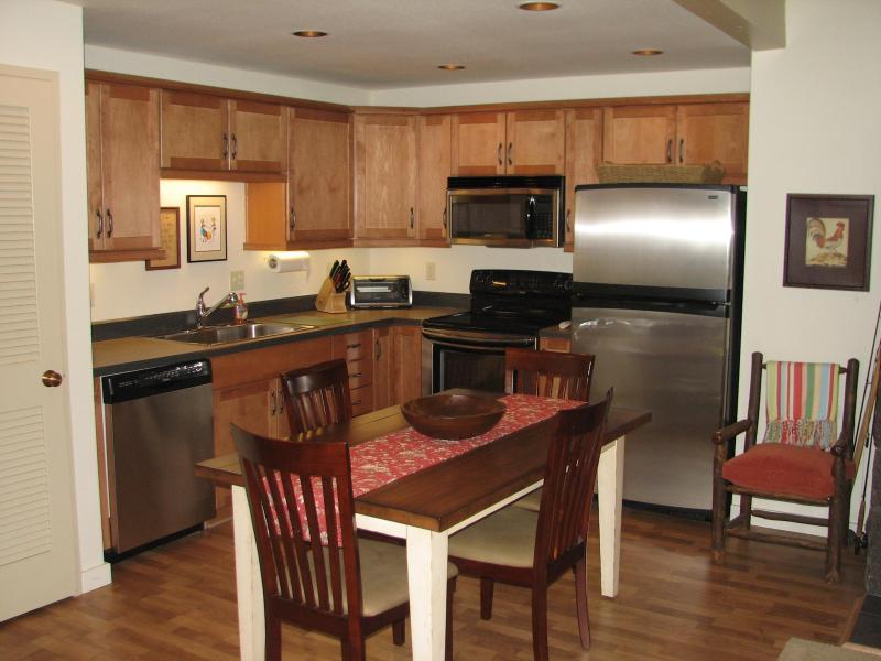 5 STAR! EXECUTIVE RATED! NEW REMODEL! - Black Butte Beauty - Black Butte Ranch - rentals