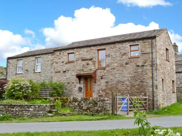 TOPSY-TURVY COTTAGE, character, pet-friendly, lovely views, in Worton, Ref 23264 - Image 1 - Worton - rentals