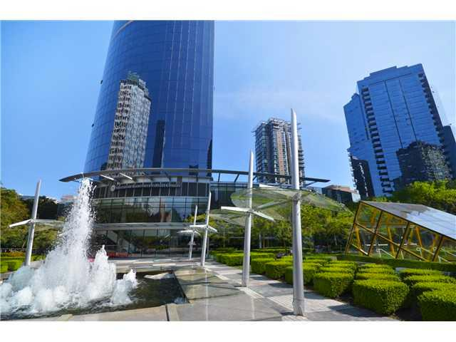 Outside View of the Vancouver Wall Center Complex - Five Star Apartment at Vancouver Wall Center - Vancouver - rentals