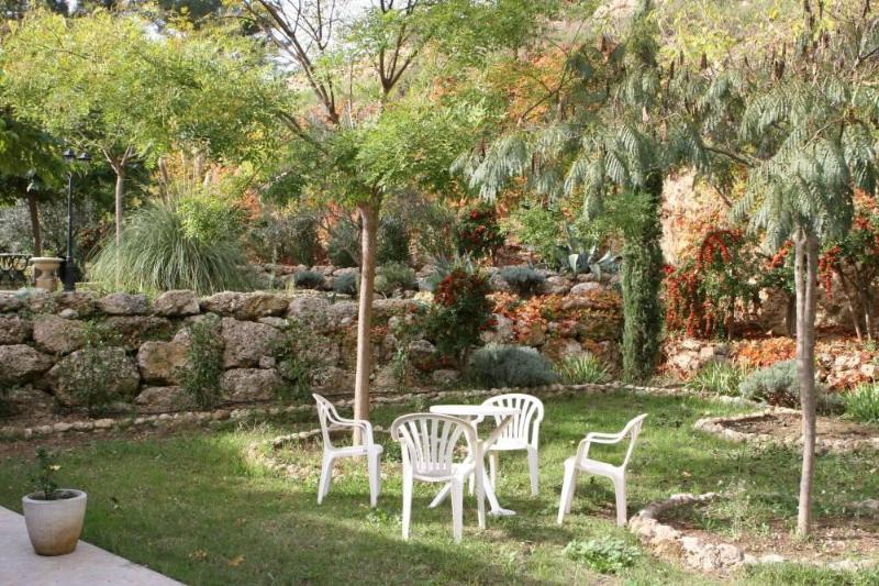 private garden view - Pet-Friendly 2 Bedroom Flat with Terrace, in Aubagne, Provence - Aubagne - rentals