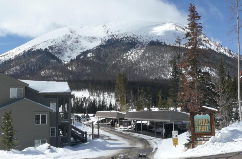 Entrance to Gore Trail Condos in Buffalo Mountain in the background - Premium Mountain Retreat near 5 ski resorts - Silverthorne - rentals