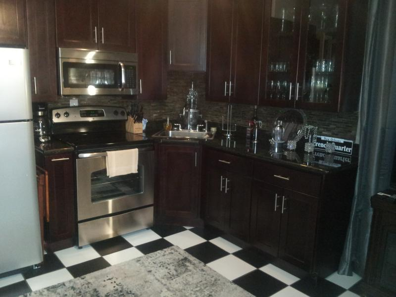 Its all here for your cooking  pleasure - French Quarter (The Doll house) AARP MILITARY DIS - New Orleans - rentals