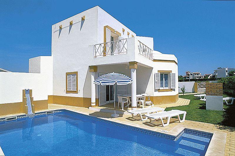 Lovely 3bdr villa w/ AC at Sesmarias quiet area - Image 1 - Albufeira - rentals
