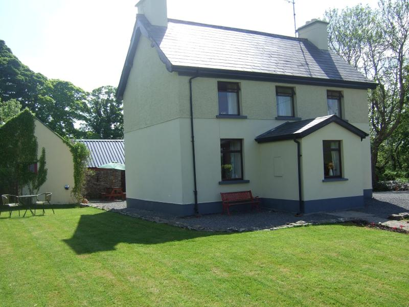James Tymon cottage. - James Tymon self catering  farmhouse cottage - Sligo - rentals