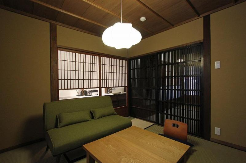 """Okunoma""or living space in Konruri-an - Charming & Quality Kyoto Machiya Townhome (North) - Kyoto - rentals"