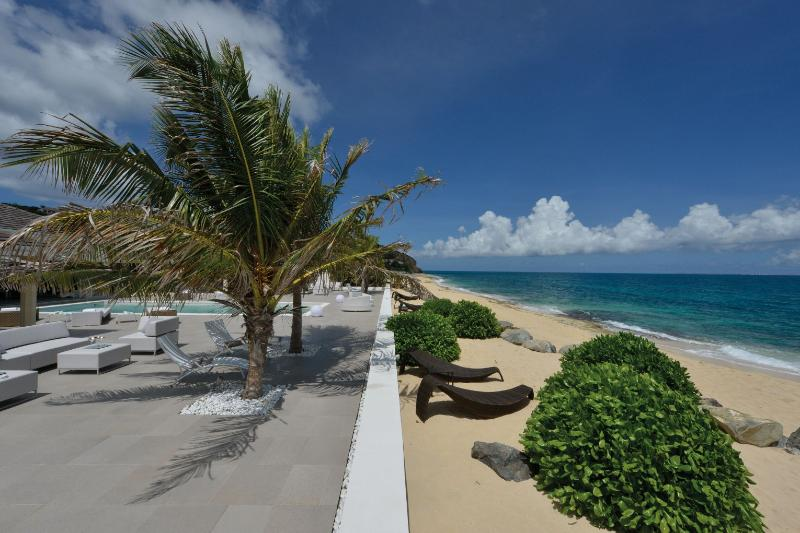 La Perla Palaise, Baierouge, Terres Basses, St Martin - LA PERLA PALAIS...expansive luxury on beautiful Baie Rouge beach, part of - Baie Rouge - rentals