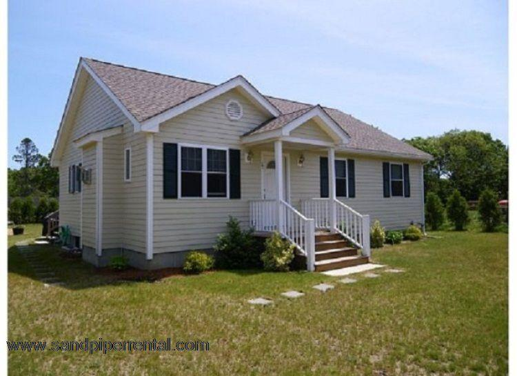 #7730 Adorable 3 bedroom ranch just two miles from Edgartown - Image 1 - Edgartown - rentals