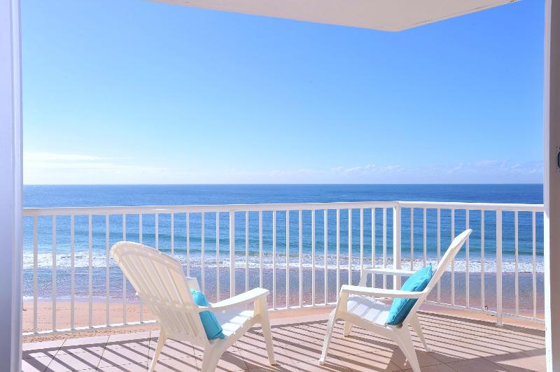 From your deck spot dolphins frolicking & whales migrating - Sydney Absolute Beachfront Aquamarine - Sydney - rentals