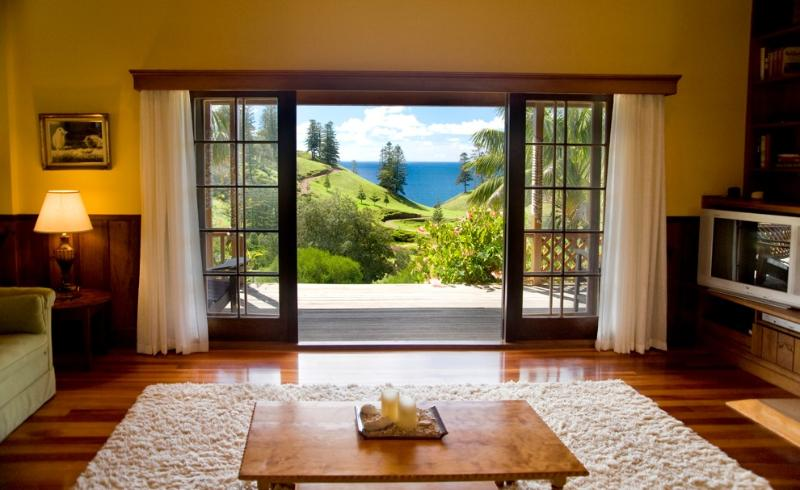 Hunky's Homestead - Spectacular Ocean View from the Lounge Room - Tintoela - Hunky's Homestead - Cascade - rentals