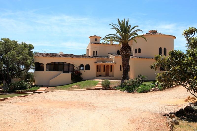 Villa Monte dos Amores - 3 Bedroom apartment - magnificent villa guesthouse - Lagos - rentals
