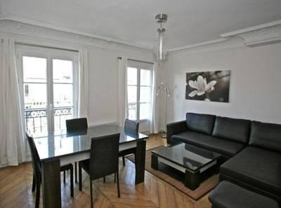 BRIGHT & COZY! MARAIS 2 BEDROOM APARTMENT FOR 6 - Image 1 - Paris - rentals