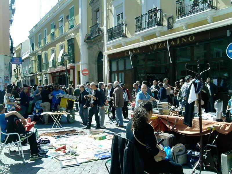 700 € per month. For shorter rental ask price. - Image 1 - Seville - rentals