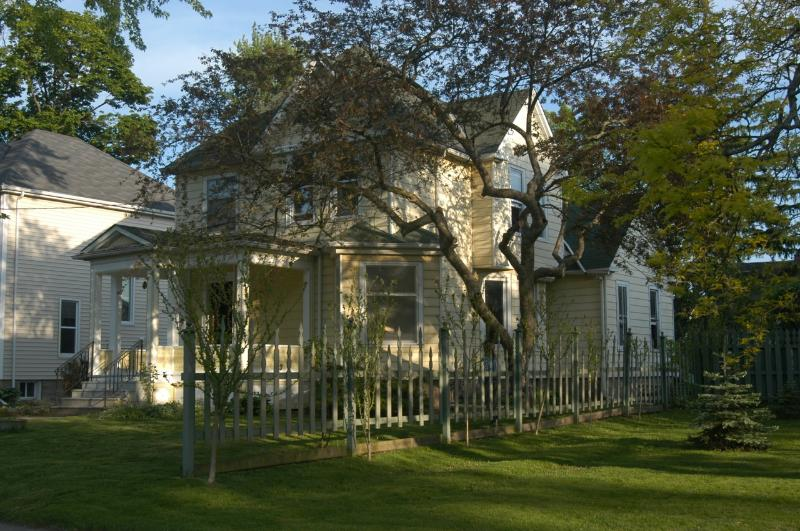 Overview - Victorian Style House Walk to Niagara Falls - Niagara Falls - rentals