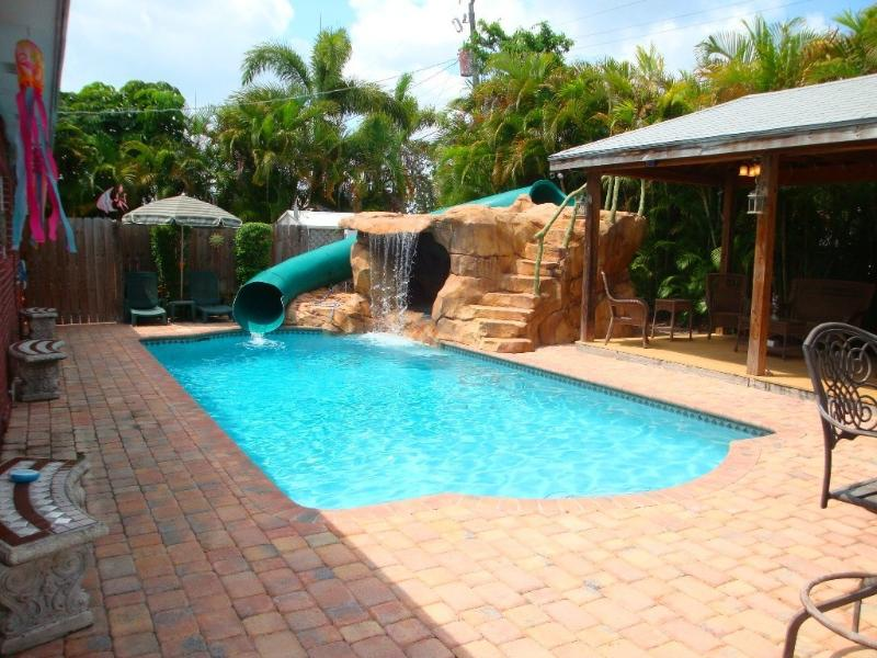 Private pool and pavillion area - Tropical Pool Home with Water Park and Pavillion - Plantation - rentals