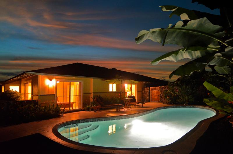 Amazing Night View of Private Swimming Pool - Malulani Ocean View 3 Bed/2 Bath Private Pool A/C - Kailua-Kona - rentals