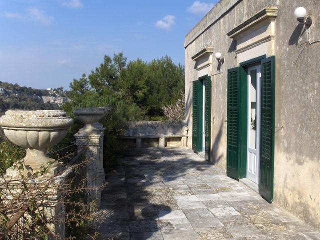 Villa - Elegant atmosphere 4/10 sleeps Modica  Sicily - Image 1 - Modica - rentals