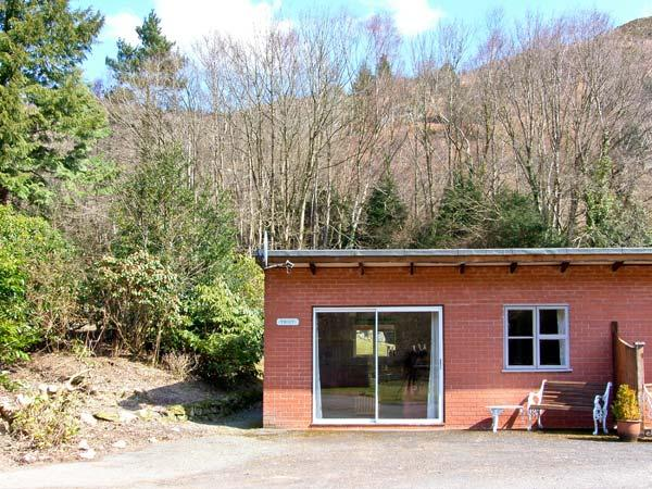 TROUT COTTAGE all ground floor, one bedroom, near to river in Llanwrthwl Ref 22184 - Image 1 - Llanwrthwl - rentals