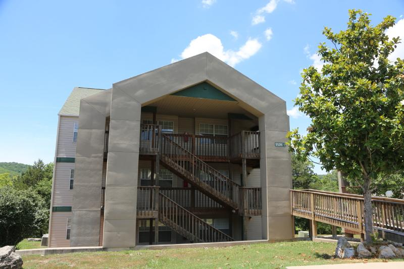Branson Condo Rental | Eagles Nest | Indian Point | Silver Dollar City | Lake Views (0110605) - Image 1 - Branson - rentals