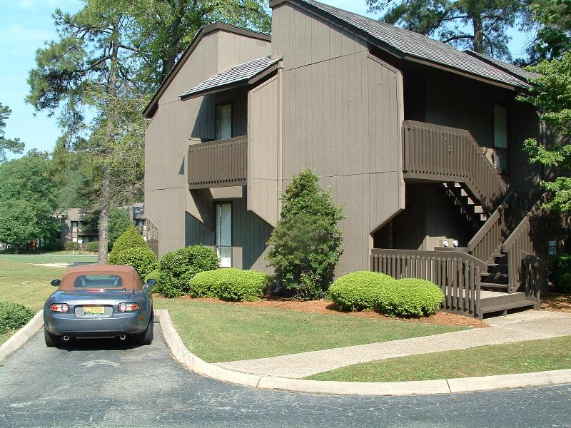 The outside of our 1st Floor condo with a parking space. - Luxury 1st Floor Golf Front Condo at Pinehurst CC. - Pinehurst - rentals