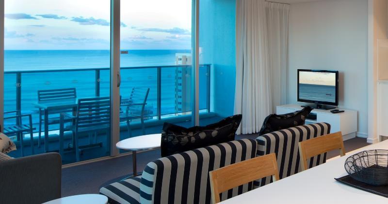 Luxury 2 Bedroom Ocean  best in Surfers Paradise - Image 1 - Surfers Paradise - rentals