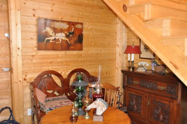 Entry Room - Upper Cumberland Tennessee Cabin Rental - Gainesboro - rentals