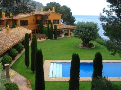 Ses Falugues Villa, Ocean view, large terrace, private pool and permanent staff - Image 1 - Begur - rentals