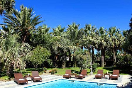 Villa Magnolia - Peaceful villa with pool in Sant' Agnello close to bars & great restaurants - Image 1 - Sorrento - rentals