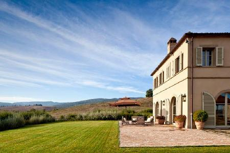 Dazzling Casa del Fiume features tennis court, pizza oven and heated pool - Image 1 - Montalcino - rentals