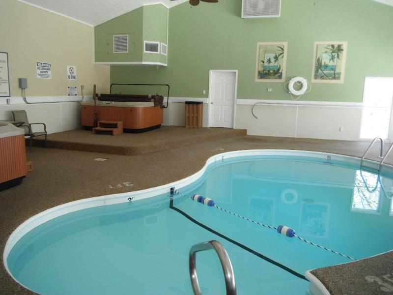 In-door pool/hot tub - *Condo Getaway - Your Lake Ozark Vacation retreat - Lake Ozark - rentals