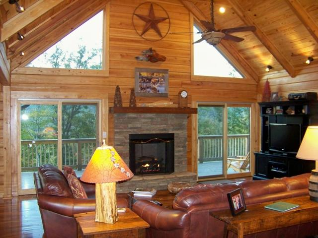 Living Area with vaulted ceilings & stone fireplace. - Chimney View Lodge-Upscale Log Cabin - Mtn views - Lake Lure - rentals